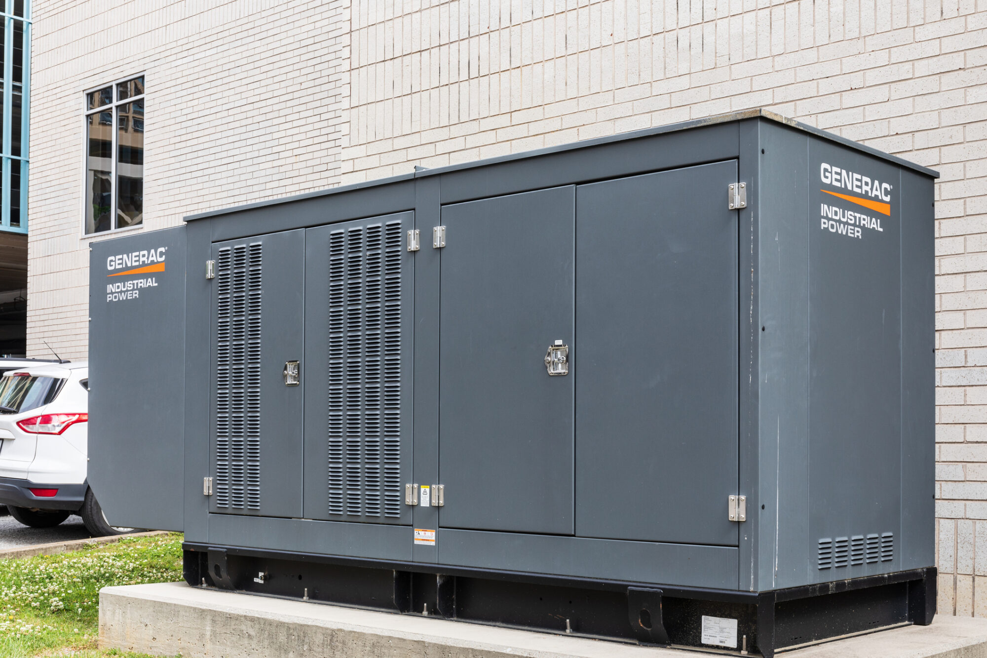 benefits of a commercial generator